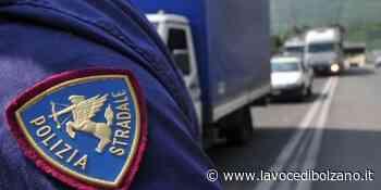 Camion di surgelati fermato a Castelrotto, sequestrati 875 chili di alimenti - La Voce di Bolzano