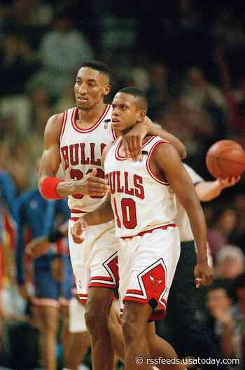 "B.J. Armstrong on how MJ would create ""enemies for motivation"""