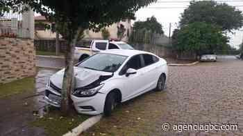 Casal é preso em Canoas com carro furtado em Esteio - Agência GBC