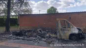 Un camping-car incendié sur un parking à Wattrelos - La Voix du Nord