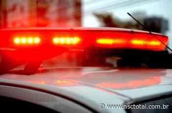 Homem morre ao tentar pular muro durante fuga em Barra Velha   NSC Total - NSC Total