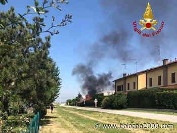 Casetta in legno distrutta dalle fiamme a Molinella - Bologna 2000