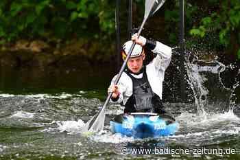 Aufgestaute Elz als Glücksfall – Kanute Paul Bretzinger trainiert trotz Niedrigwasser in Waldkirch - Ringen - Badische Zeitung - Badische Zeitung