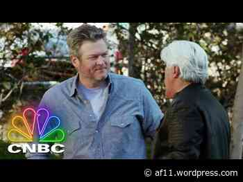 Jay Leno and Blake Shelton Go For a Spin in a Vintage Pick-Up Truck   Jay Leno's Garage - stopthefud