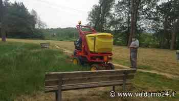 Montevarchi. Dopo il lockdown ripresa la manutenzione delle aree verdi con un nuovo rasaerba - Valdarno24