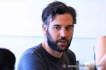 """Josh Radnor on Saying """"Yes"""" to 'Hunters' and Working with Al Pacino - dailyactor.com"""