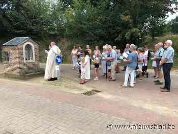 Vergeet de berenjacht: in deze gemeente tel je Mariabeeldjes - Het Nieuwsblad