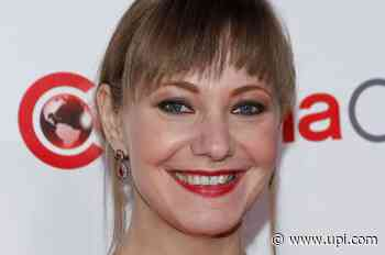 Netflix picks up Dwayne Johnson-Emily Blunt film 'Ball and Chain' - UPI News
