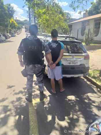 POE prende homem em cumprimento de mandado em Serafina Correa - Rádio Studio 87.7 FM