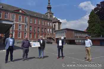 Rotary sponsort laptops Sint-Catharinacollege