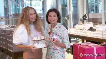 Claudia Obert schmeißt für Jenny Elvers eine feucht-fröhliche Geburtstagsparty - RTL Online