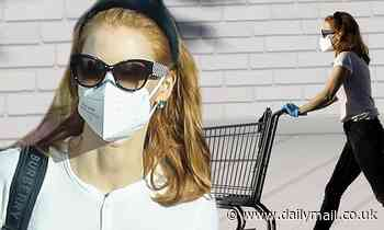 Jessica Chastain pairs face mask with designer shades as she heads to the grocery store in LA - Daily Mail