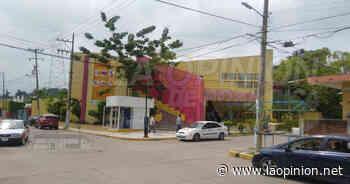 Sanitizan edificios públicos en el municipio de Coatzintla - La Opinión