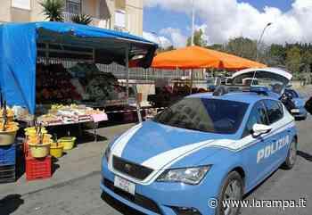 Vendita di frutta al Lago Patria: Polizia sanziona titolare e cliente - La Rampa