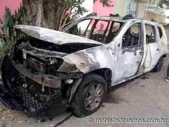 Carro pega fogo na Avenida Francisco Morato - Mobilidade Sampa