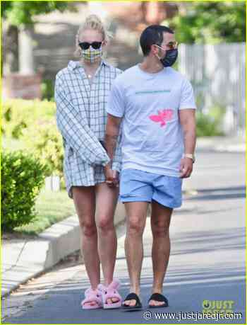 Sophie Turner & Joe Jonas Hold Hands on Afternoon Walk | sophie turner wears oversized shirt on walk with joe jonas 03 - Photo - Just Jared Jr.