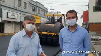 Novas ruas no centro de Adamantina recebem recapeamento; tendas foram removidas pela Prefeitura - Siga Mais