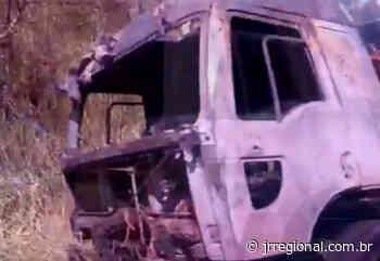 Caminhão pega fogo na SC 492, em Barra Bonita - JRTV Jornal Regional