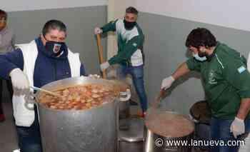 Siete gremios bahienses impulsaron una olla popular en Villa Miramar - La Nueva.