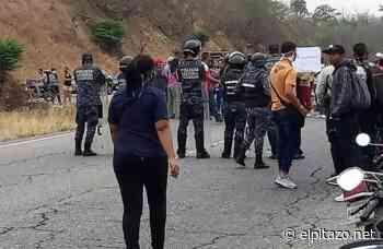 Vecinos de Santa Rosa Plaza trancaron autopista Charallave-Ocumare para exigir agua - El Pitazo