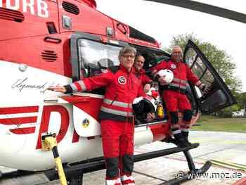 Notarzt: Fliegende Retter seit drei Jahrzehnten in Bad Saarow - Märkische Onlinezeitung