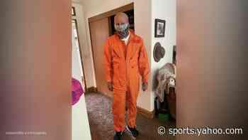 Bruce Willis pulls 'Armageddon' costume out of closet amid coronavirus pandemic - Yahoo Sports
