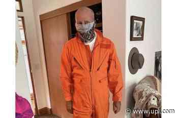 Bruce Willis wears 'Armageddon' jumpsuit in new photo - UPI.com
