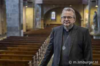 Live-mis met bisschop te zien vanuit kerk Schinnen - De Limburger