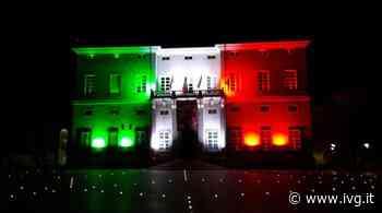 Loano, il Tricolore avvolge il municipio di Palazzo Doria - IVG.it