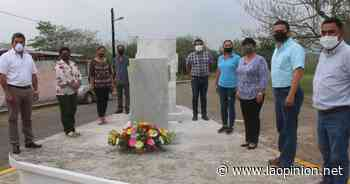 Ayuntamiento de Naranjos reconoce labor de los maestros - La Opinión