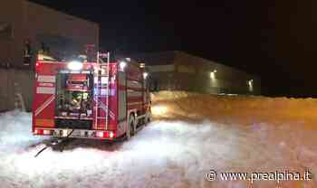 Inveruno, in fabbrica nevica (schiuma) - La Prealpina
