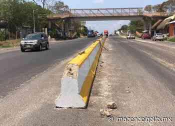 Colocan muros de concreto en carretera que cruza por Sayula - Imagen del Golfo