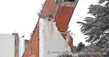 Glockenturm von St. Pius Saarwellingen ist Geschichte - Saarbrücker Zeitung