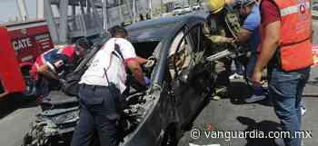 Conductor queda prensado al chocar contra puente en Matamoros, Coahuila - Vanguardia MX