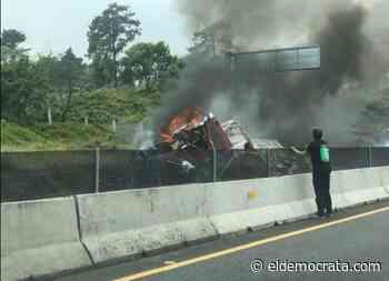 Trailer se vuelca en carretera Xalapa-Perote - El Demócrata