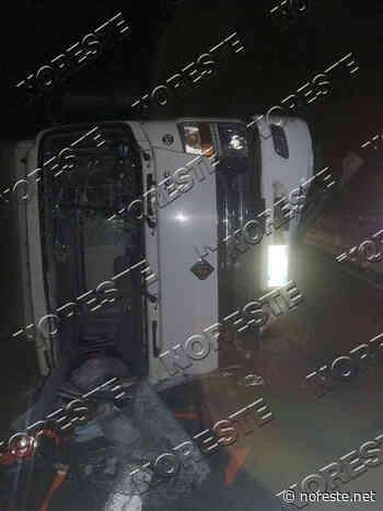 Dos heridos tras volcadura de camión, en la autopista Xalapa-Perote - NORESTE