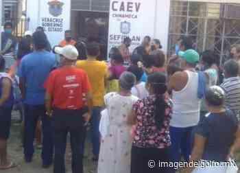Vecinos en Chinameca protestan ante CAEV por falta de agua potable - Imagen del Golfo