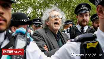 Coronavirus: Jeremy Corbyn's brother arrested at anti-lockdown protest in London