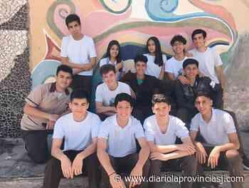 La Promo 20 Naturales del Colegio San Antonio de Padua la rompió en la presentación virtual de su campera - Diario La Provincia SJ