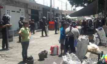 Policías persuaden a tianguistas de vender en Atlixco - El Popular