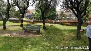 """Villa De Sanctis chiusa per tre giorni a causa di una voragine: """"Il servizio giardini non ha trovato le transenne"""""""