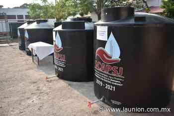 Entrega SCAPSJ tinacos de agua potable para consumo comunitario en Jiutepec - Unión de Morelos