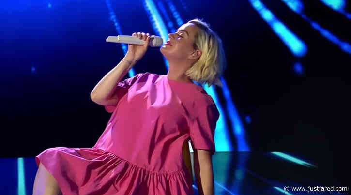 Katy Perry Gives First Performance of 'Daisies' During 'American Idol' Finale - Watch!