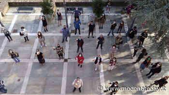Soliera, i commercianti brindano alla riapertura - ModenaToday