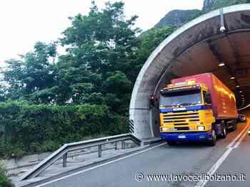 Camion in panne in galleria: traffico bloccato tra Bolzano e Laives - La Voce di Bolzano