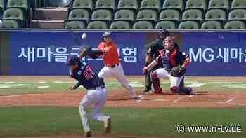 Schwer verletzt nach Volltreffer:Pitcher bekommt Baseball direkt auf den Kopf geschlagen - n-tv NACHRICHTEN