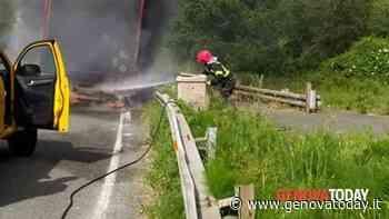 Tir in fiamme sull'autostrada A12 - GenovaToday