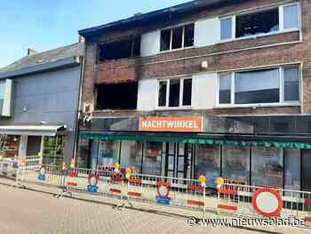 Veldstraat blijft afgesloten na zware brand