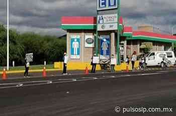 Manifestantes protestan en caseta de Cerritos para exigir apoyo alimentario - Pulso de San Luis