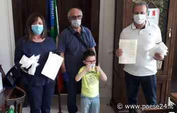 Castrovillari. Bimbo compra mascherine per vigili urbani con i soldi della paghetta - Paese24.it